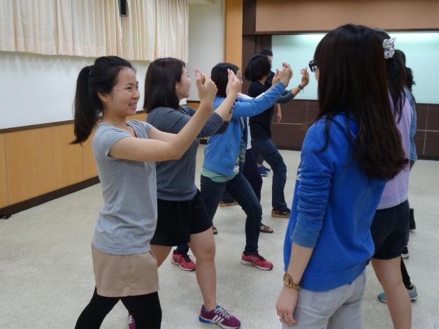 104年度海外服務工作團長期海外志工服務前教育訓練防身術課程(人道援助處提供).JPG